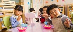 three-toddler-eating-on-white-table-gusgraph-slide.jpg